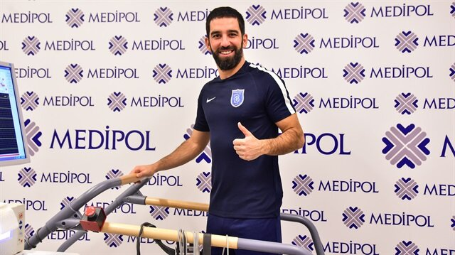 Arda Turan'dan Galatasaray'a gönderme