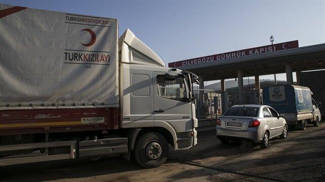 10 شاحنات مساعدات تركية إلى النازحين السوريين بإدلب