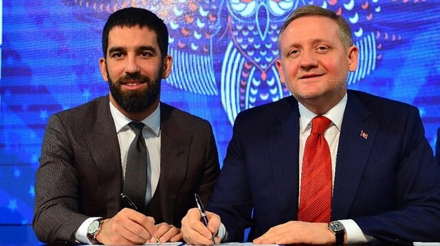 Barcelona midfielder Turan loaned to Basaksehir until 2020