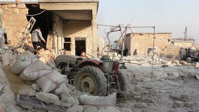 Russian warplanes strike Idlib