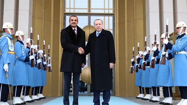 أردوغان وأمير قطر يبحثان قضايا إقليمية وثنائية في أنقرة