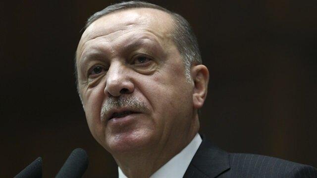 Erdoğan'dan sert tepki: 7 dakikada çeyrek domuzu nasıl yediğini anlatıyor