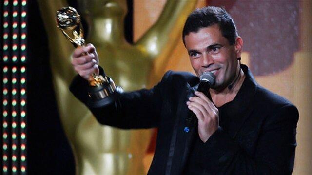 أغنية مصرية تتفوَّق على ألبوم عمرو دياب وتحتل المركز الأول في جوائز الموسيقى العالمية