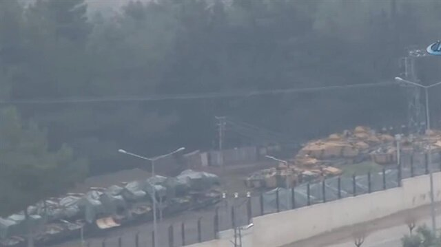 Turkish military shipment arrives at Syrian border