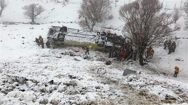 Six dead, 29 injured after bus overturns in eastern Turkey