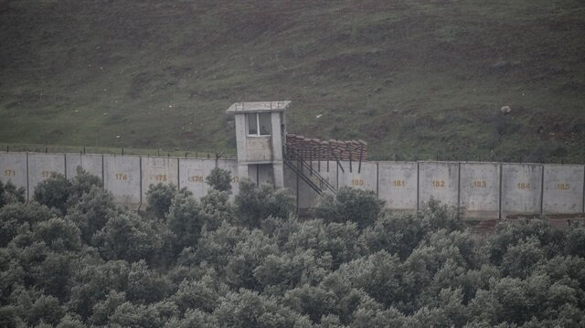 Turkey installs security system on Syria's Afrin border