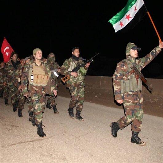 ÖSO Afrin operasyonu için Türk bayraklarıyla bekliyor