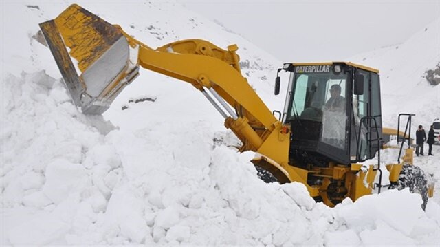 Five Turkish soldiers martyred, 12 injured after avalanche in Turkey's Bitlis