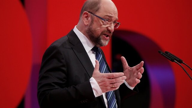 German SPD leader urges party to back coalition talks with Merkel