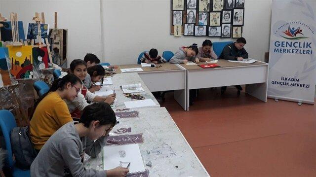 Gençlerden sınırdaki Mehmetçiklere destek