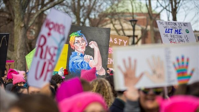 Thousands protest one year after Trump takes reins in US