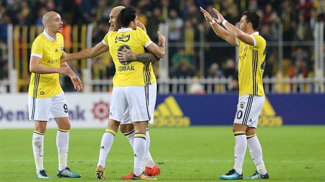 Fenerbahçeli yıldızın omzu çıktı