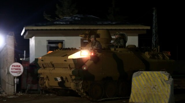الجيش التركي يدفع بتعزيزات جديدة باتجاه اعزاز السورية