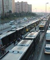 Metrobüs kuyruğuna son