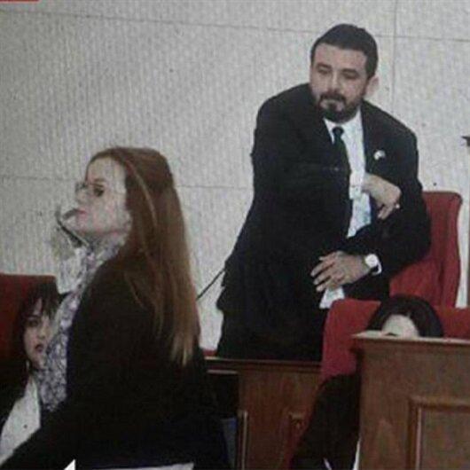 KKTC Meclisi karıştı:<br>Küstah gazeteyi fırlattı!