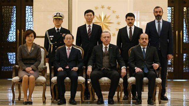 أردوغان يتسلم أوراق اعتماد سفير كوريا الجنوبية لدى تركيا