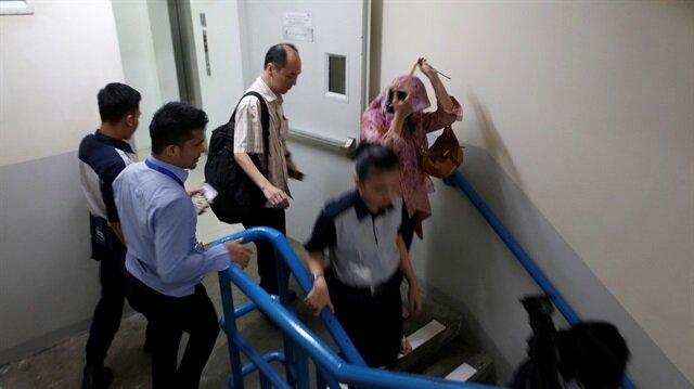 Office workers flee buildings in Indonesian capital as quake strikes