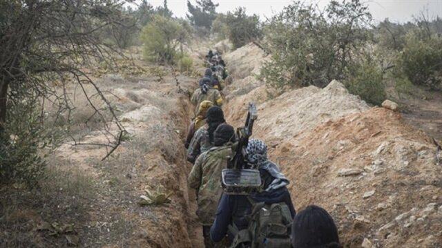 مقاتلون أكراد في
