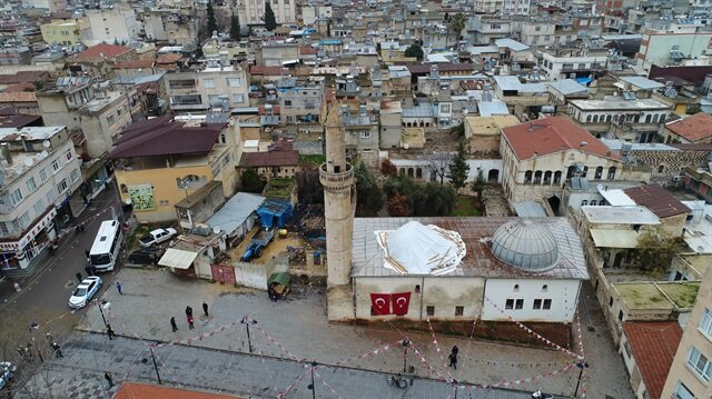 Turkey shells Afrin as it awaits removal of Russian military observers