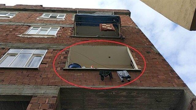 4. kattan düştü çamaşır ipine takılınca ölümden döndü