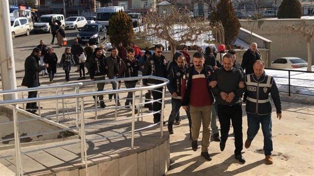 Karaman'da tutuklanan uyuşturucu satıcıları