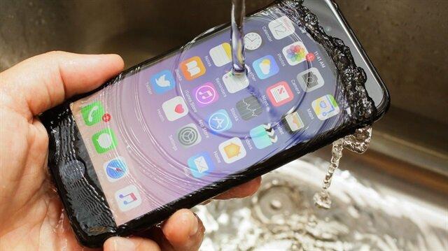 7815f4b46c7f2 iPhone 7 bin 500 lira- Havalimanında unutulan eşyalar satışa çıkıyor