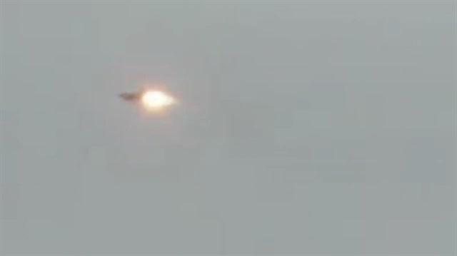 Suriyeli muhalifler savaş uçağını böyle düşürdü