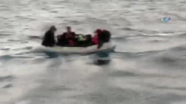 Fırtınaya yakalanan göçmenler böyle kurtarıldı