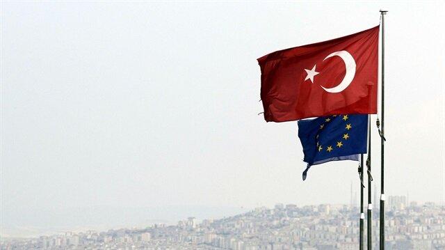 Türkiye vize serbestisine ilişkin belgeyi AB'ye verdi