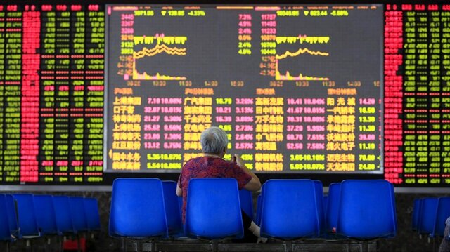 Küresel piyasalarda haftanın son işlem gününde de risk havası devam ediyor.