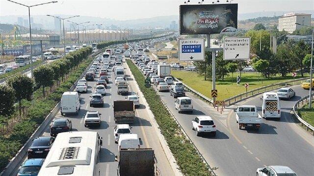 Ankara'da dört kişiye bir otomobil