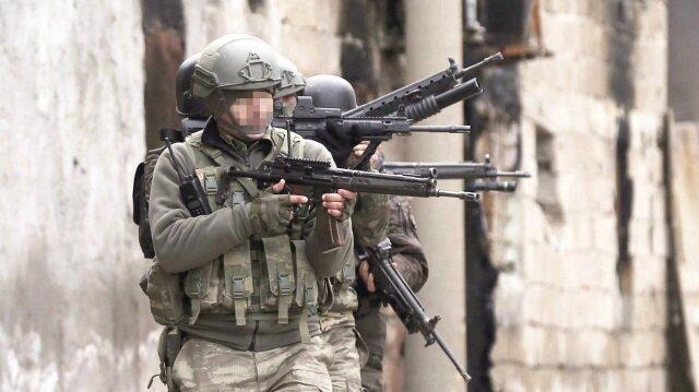 JÖH ve PÖH, şimdi Afrin'de temizlik operasyonu yürütüyor.