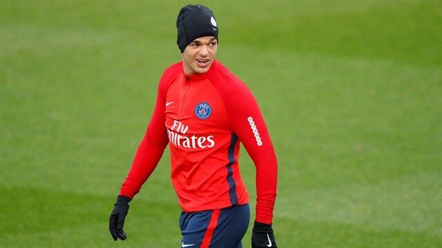 Paris Saint-Germain ile geçtiğimiz sezon 32 maça çıkan Ben Arfa, 4 gol attı ve 7 asist yaptı.