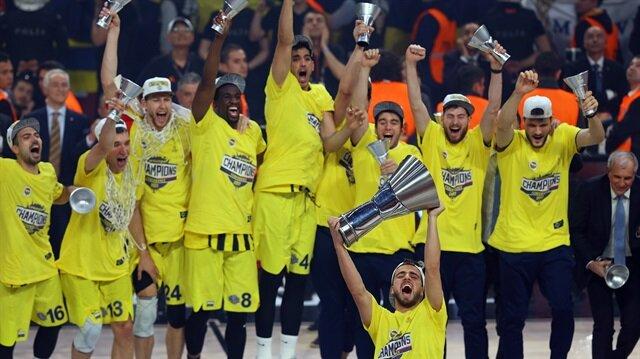 Melih Mahmutoğlu, Fenerbahçe ile Euroleague kupası kazanmıştı.