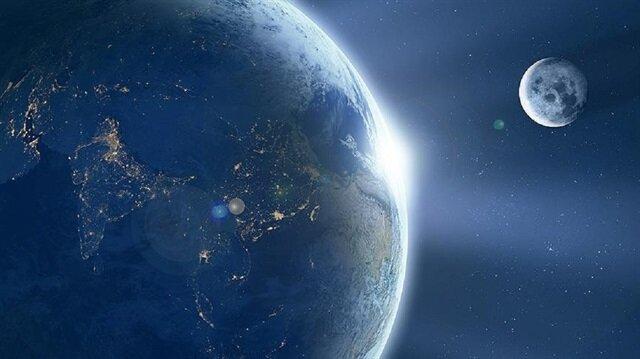 """Astronomik açıdan kısmen yakın bir geçiş yapacak, 40 metre büyüklüğündeki """"2018 CB""""nin, Dünya'ya tehdit oluşturmadığı vurgulandı."""