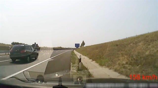 Seyir halinde uyuyakalan sürücünün kazası kamerada!