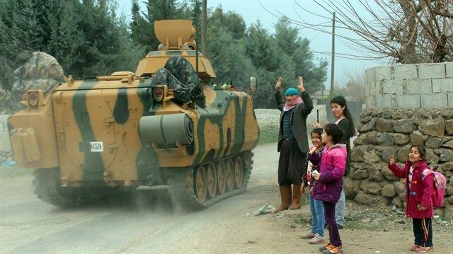 """قوات """"غصن الزيتون"""" تواصل قصف مواقع الإرهابيين في محيط عفرين"""