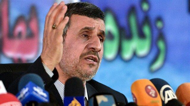 Ahmedinejad'dan Hamaney'e eleştiri: İnsanları umarsızca tutukluyorlar