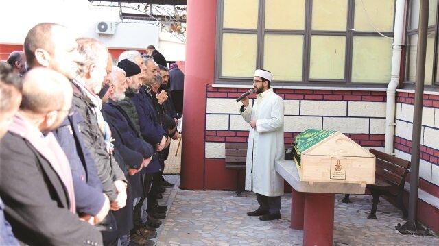 Merhum Ali Döne'nin naaşı cenaze namazının ardından vasiyeti üzerine memleketi Rize'ye götürüldü.
