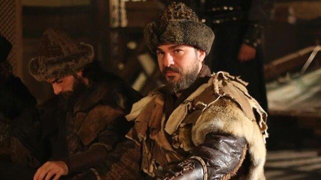 Dört sezondur TRT 1 ekranlarında yayınlanan Diriliş Ertuğrul'un başrolünde Engin Altan Düzyatan oynuyor.