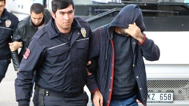 Manisa'da 8 kişiye FETÖ'den gözaltı