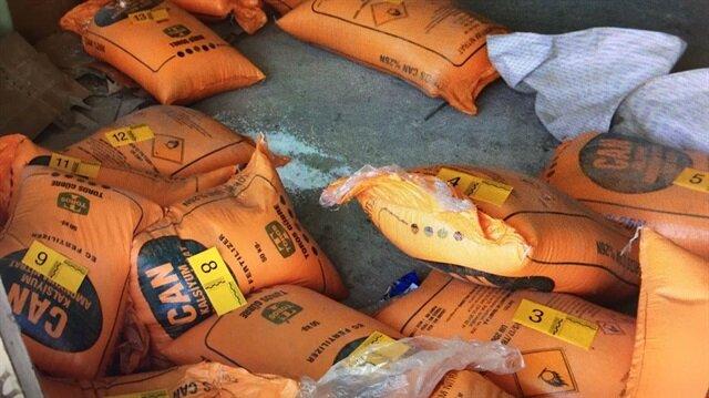 Operasyonda bir depoda patlayıcı yapımında kullanılan 950 kilogram amonyum nitrat ele geçirildi.