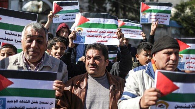 İşgalci İsrail, Gazzeli iş adamlarına seyahat yasağı getirdi.