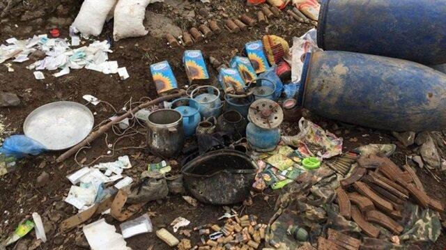 Cudi Dağı'nda teröristlere ait silah ve malzemeler ele geçirildi