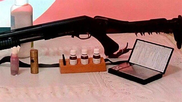 Gözaltına alınan zanlılardan 25 gram kırmızı cıva ele geçirildi.