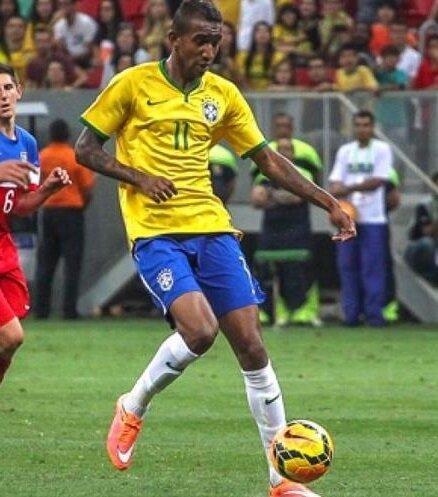 Talisca, Brezilya U23 Takımı'nda 4, U20'de ise 2 maçta forma giydi.