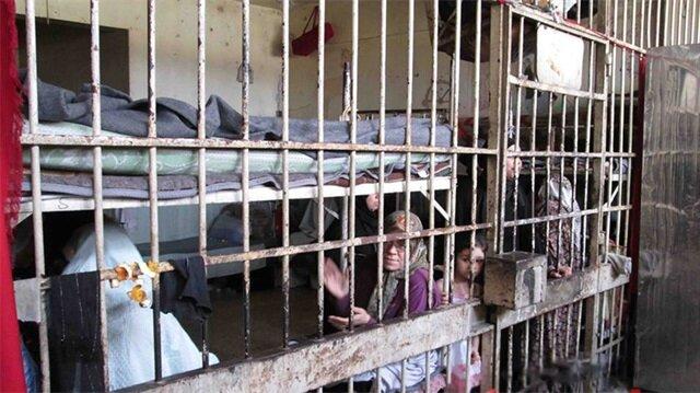 Tutuklu kadın ve çocuklar Suriye'deki hapishanelerde çile çekiyor.