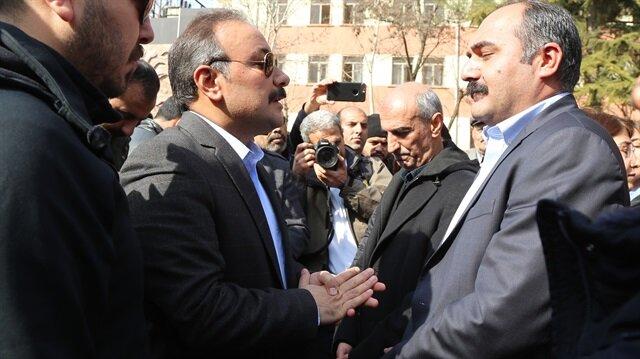 Terör örgütü PKK elebaşı Öcalan'ın yakalanarak Türkiye'ye getirilmesinin yıl dönümü bahanesiyle izinsiz açıklama yapmak isteyen HDP'li gruba izin verilmedi.