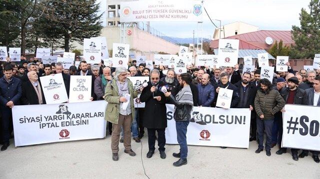 Diyarbakır, Batman ve Sivas'ta da Mazlumder üyeleri, 28 Şubat mağdurları ve bazı sivil toplum kuruluşlarının temsilcileri, 28 Şubat siyasi yargı kararlarının iptal edilmesi talebinde bulunarak cezaevi önlerinde toplandı.