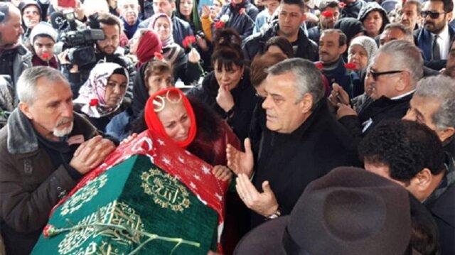 Nuray Hafiftaş son yolculuğuna sevenlerinin gözyaşları ile uğurlandı.